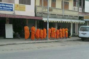 老挝的日出与布施_4