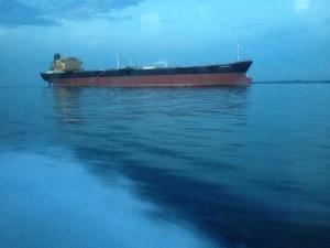 驶向印尼民丹岛